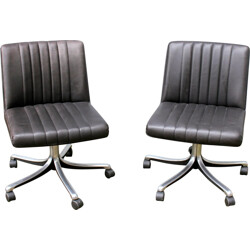 Tecno pair of chairs in leatherette, Osvaldo BORSANI - 1970s
