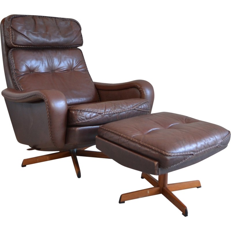 Danish armchair with its ottoman in leather - 1970s ...