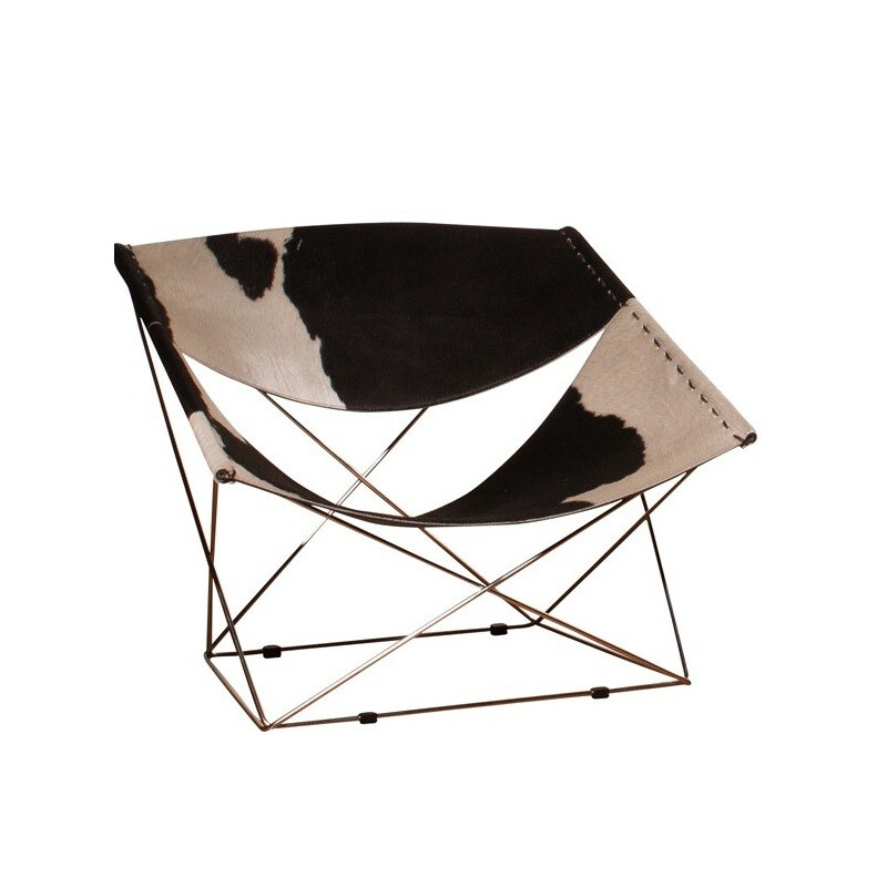"Artifort ""Butterfly"" chair in cow fur and steel, Pierre PAULIN - 2000s"