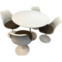 "Knoll dining set with 4 chairs and a table ""Tulipe"", Eero SAARINEN - 1950s"