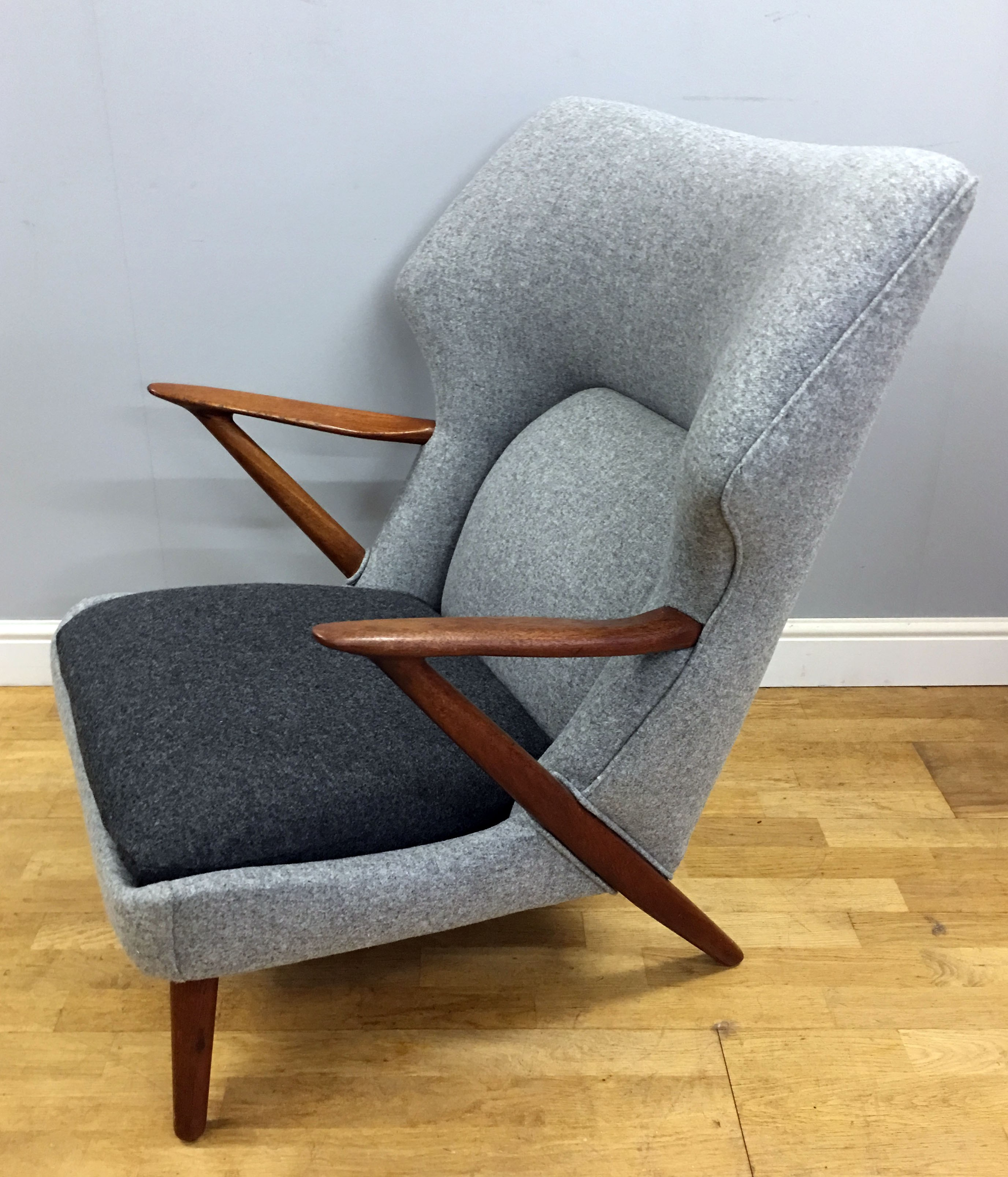 Slagelse Mobelvaerk grey lounge chair Kurt OLSEN 1950s Design