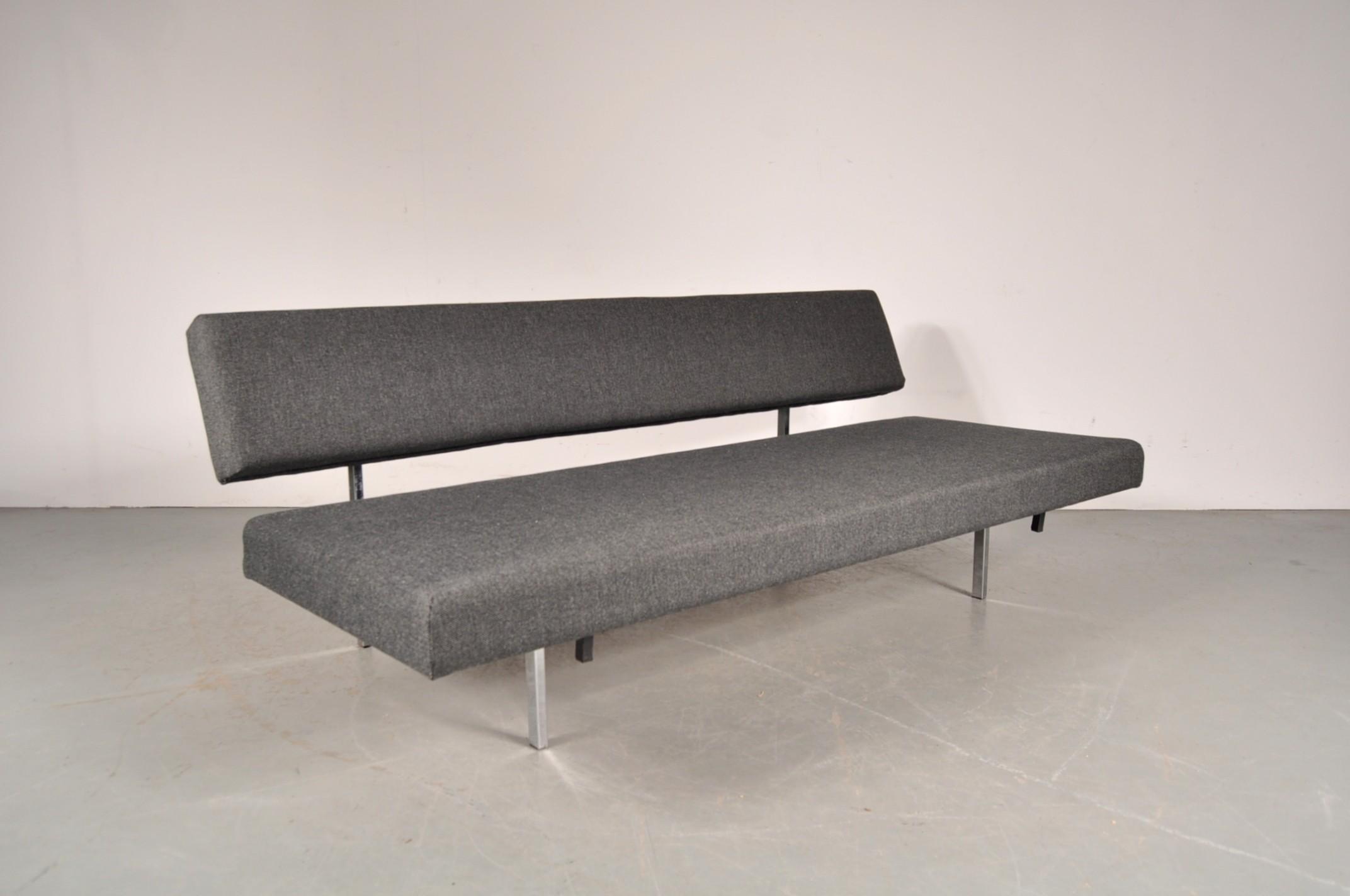 Gispen sleeping sofa Gijs VAN DER SLUIS 1950s Design Market