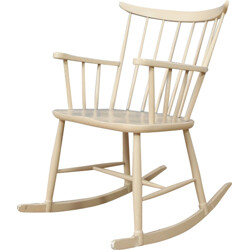 Rocking chair in wood with spindle back - 1960s