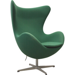 "Fritz Hansen ""Egg"" green fabric armchair, Arne JACOBSEN - 2000s"