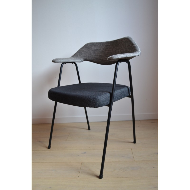 Chair Robin DAY Model 675 By AIrborne
