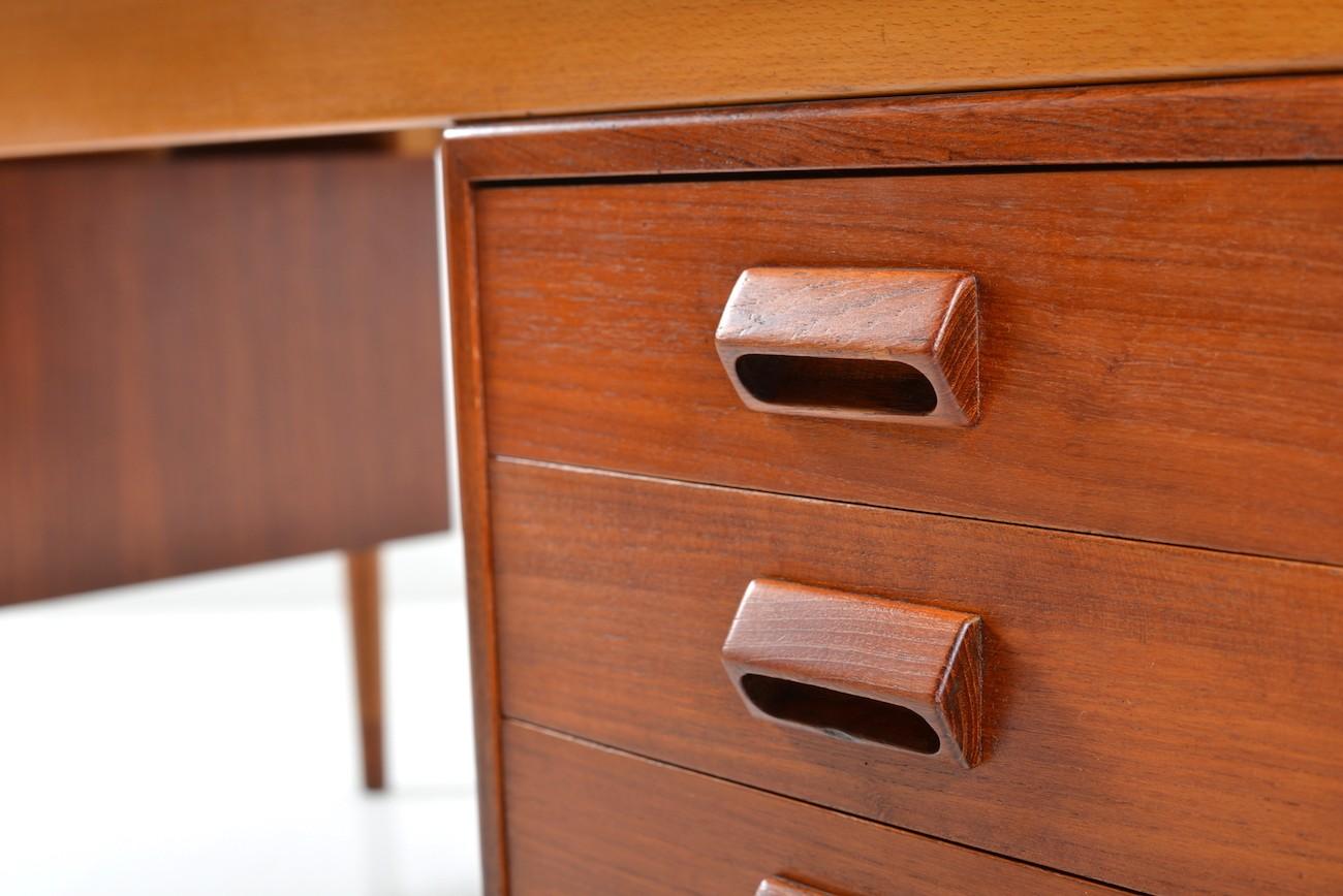Børge Mogensen Teak and Beech Desk for Søborg Møbelfabrik - 1950s on