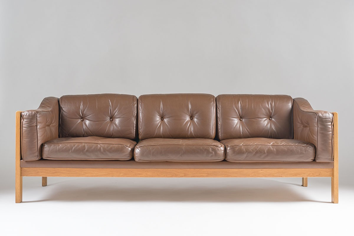 Swedish Mid Century Sofa In Oak And Leather Ingvar Stockum 1960s