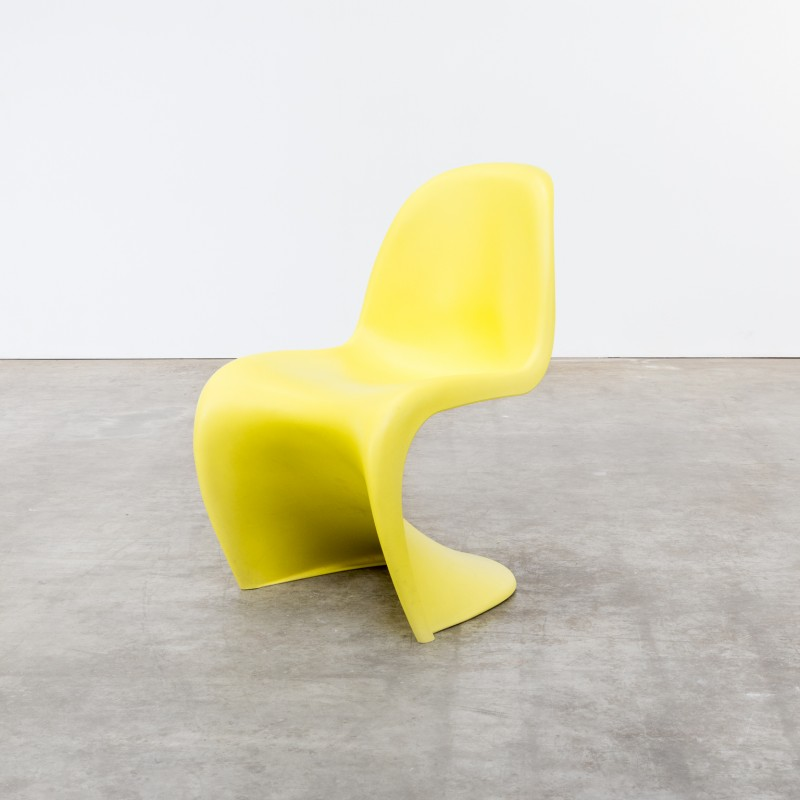 Set of 7 yellow  panton  chair by Verner Panton for Vitra & Set of 7 yellow