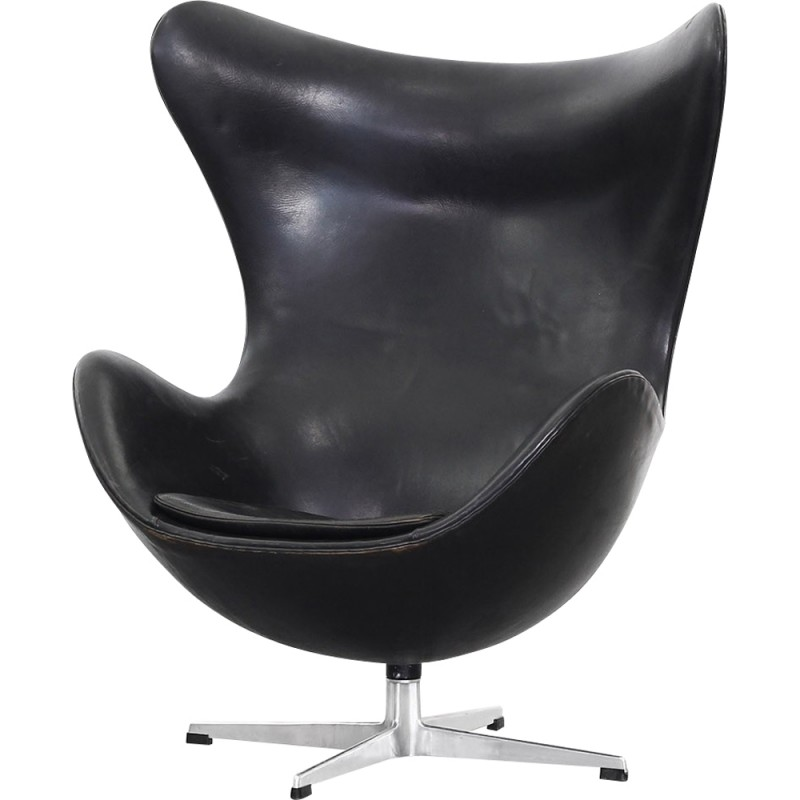 Egg Chair By Arne Jacobsen For Fritz Hansen 1960s
