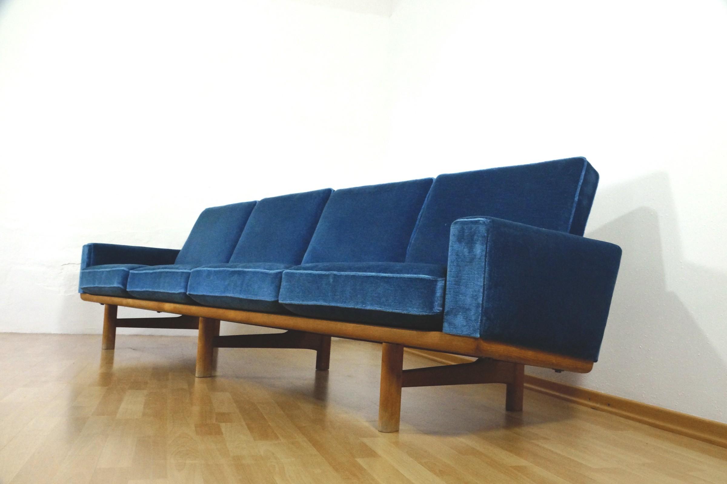 GETAMA 4 seater Blue Sofa Hans J Wegner GE 236 4 1950s