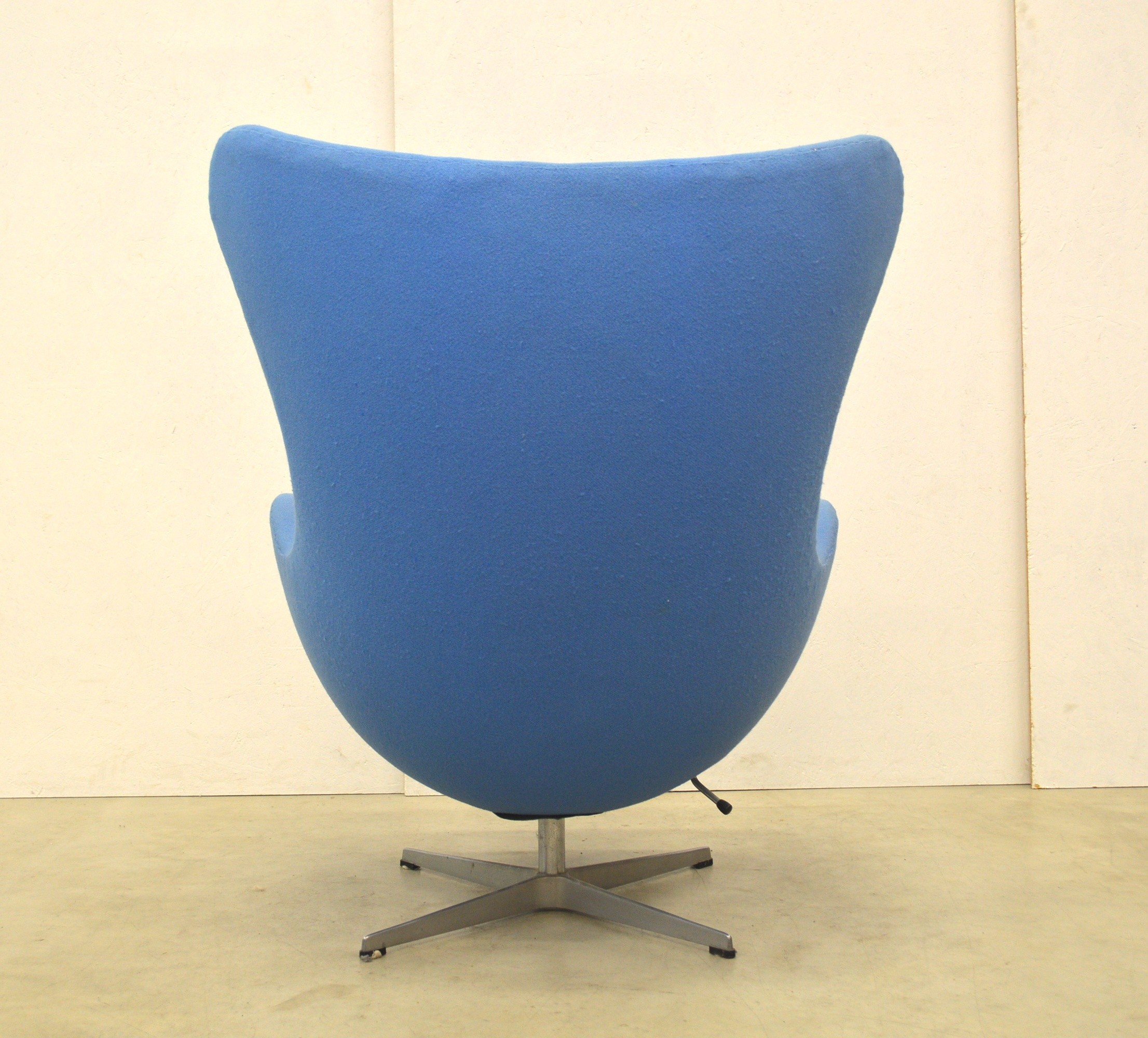 Arne Jacobsen Egg Chair Ottoman By Fritz Hansen 1970 Design Market