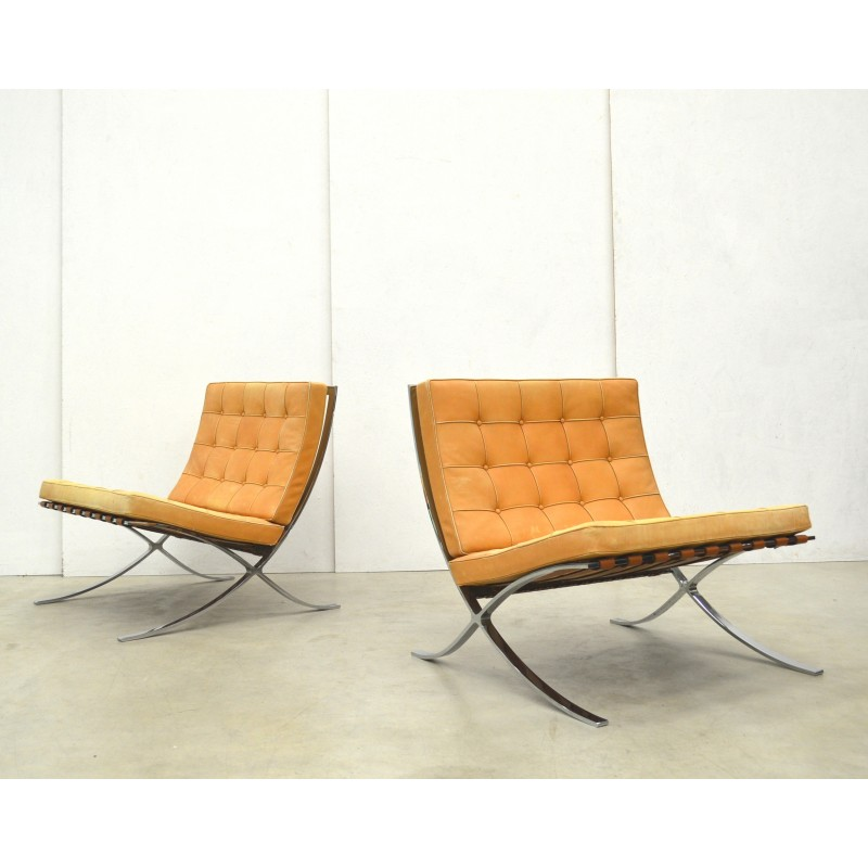Pair Of Barcelona Chair By Knoll International, Natural Cognac   1970s    Design Market