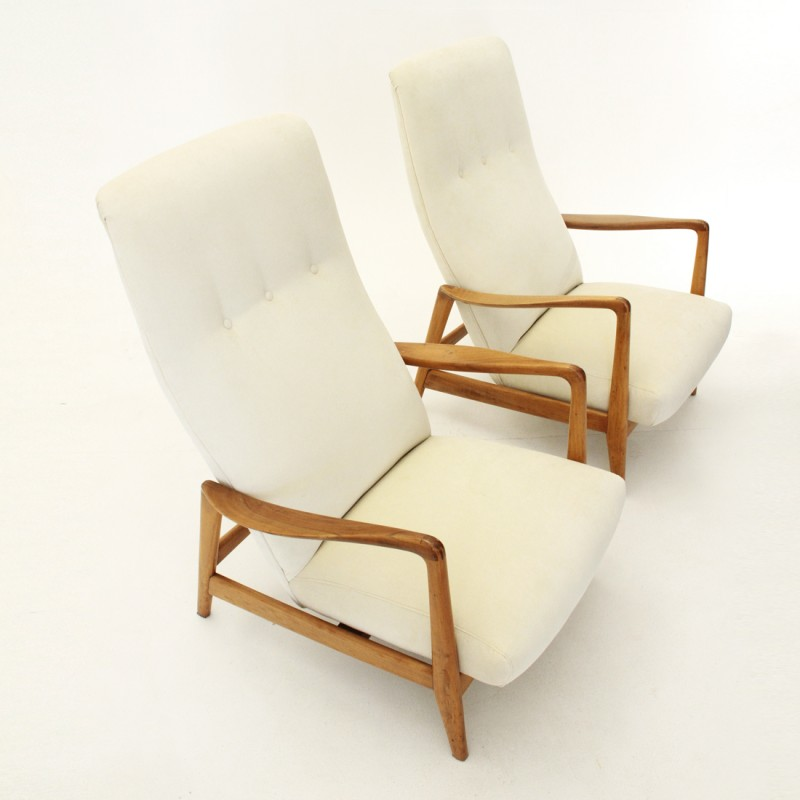 Awesome Pair Of White High Back Armchairs Model 829 By Gio Ponti For Cassina 1950S Home Remodeling Inspirations Basidirectenergyitoicom