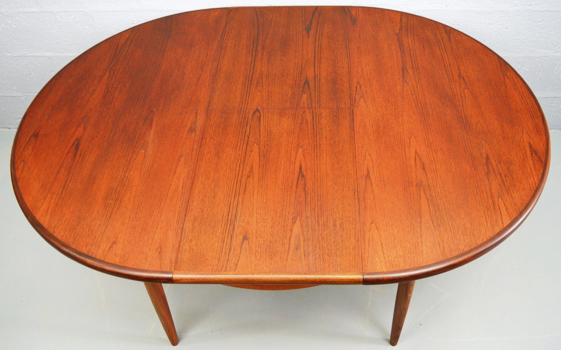 Mid Century teak G Plan circular fresco extendable dining table