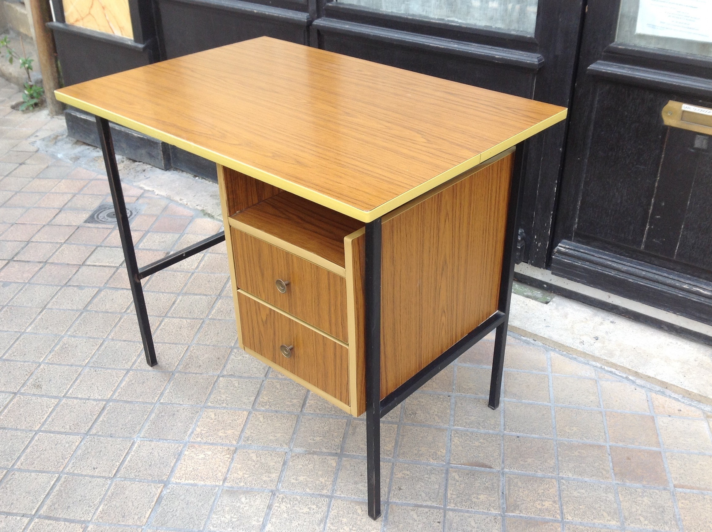Vintage Office Desk In Formica 1950s Previous Next
