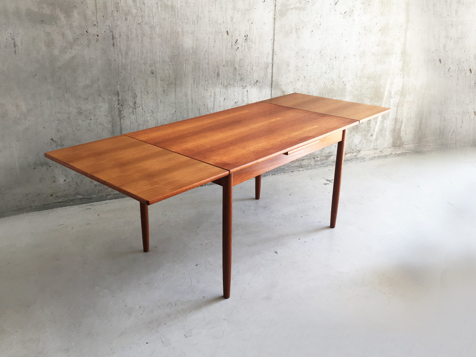 mid century danish abj furniture extendable dining table. Black Bedroom Furniture Sets. Home Design Ideas