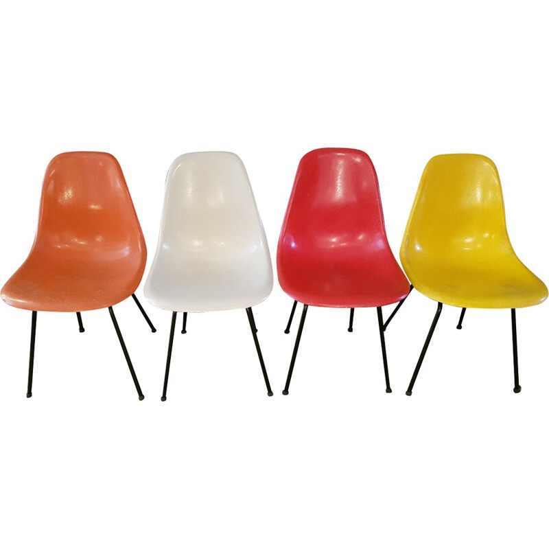Set of 4 multicolored chairs by Charles and Ray Eames for Herman Miller - 1960s