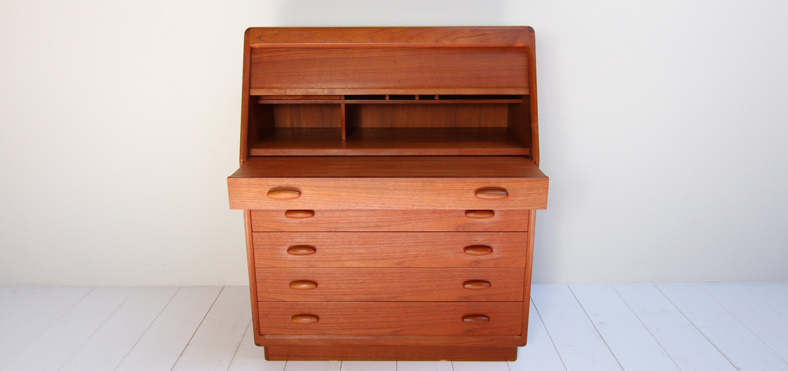 Danish Writing Desk Designed By Dyrlund Smith 1960s Previous Next