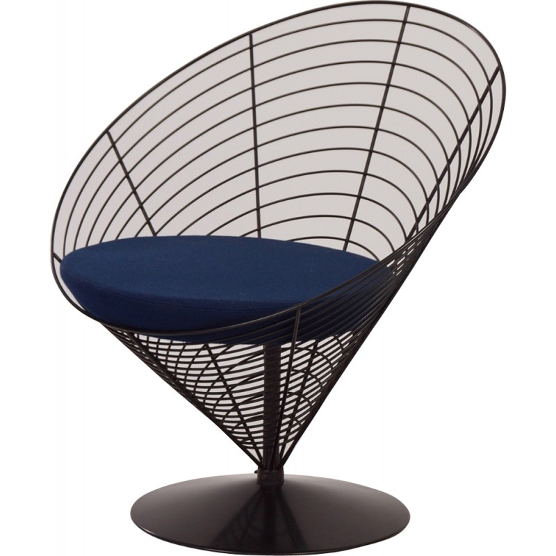 Chaise verner panton trendy relaxer rocking chair by for Chaise panton