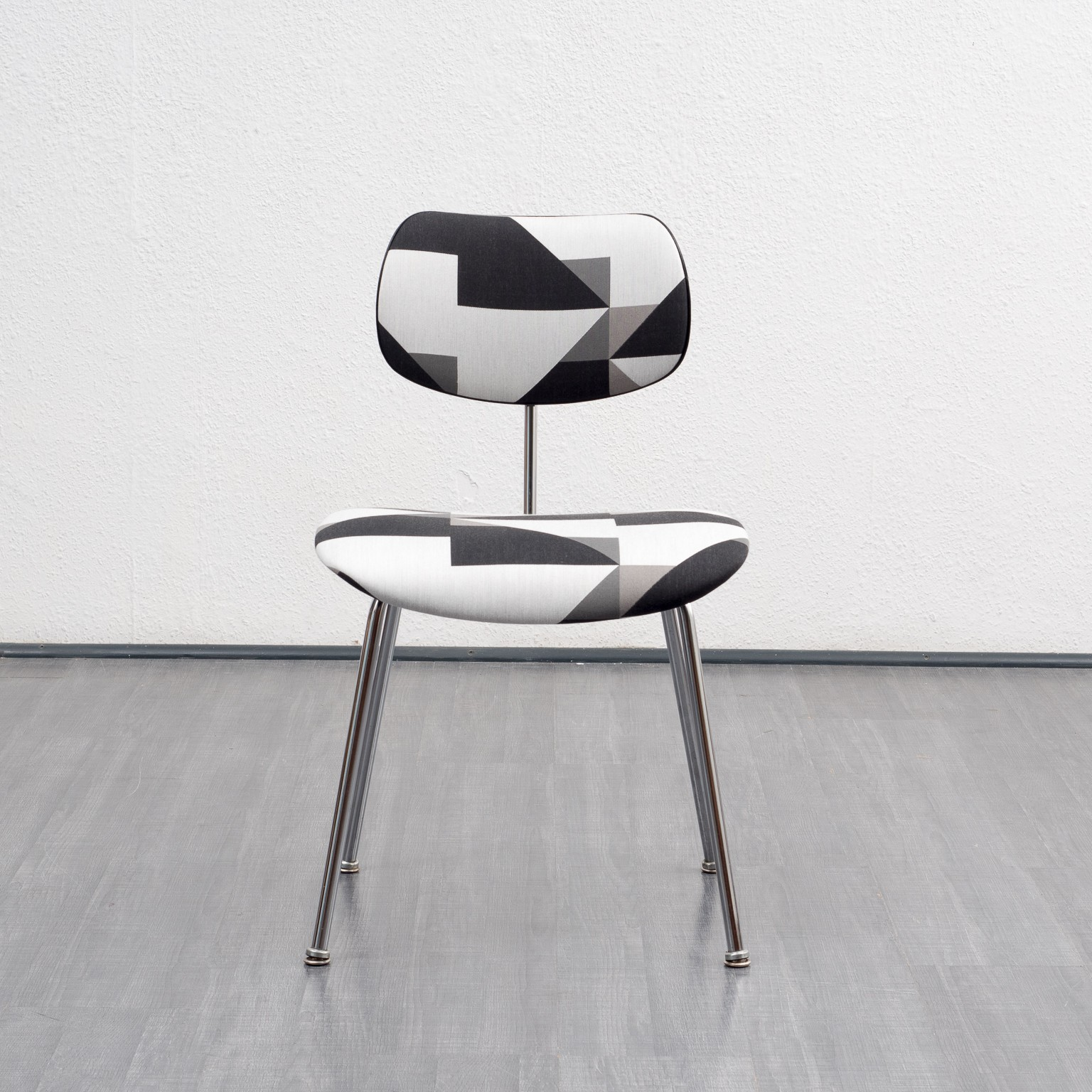 Version Se 68 Dining Chair By Egon Eiermann For Wilde Spieth