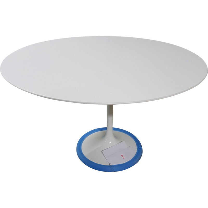 White tulip table in wood and metal by Eero Saarinen produced by Knoll International - 1980s