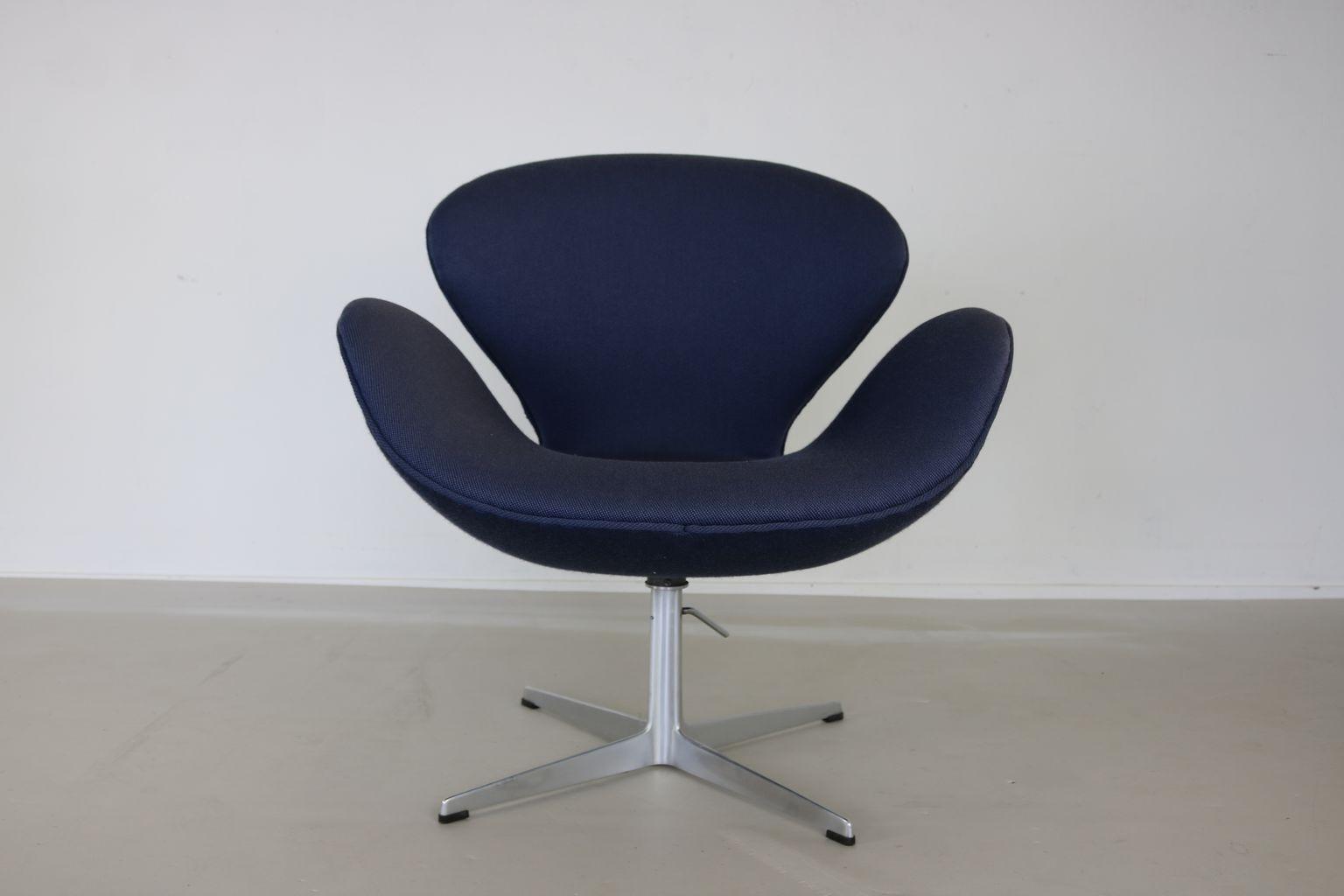 100 arne jacobsen u0027s iconic egg no sofa living room. Black Bedroom Furniture Sets. Home Design Ideas