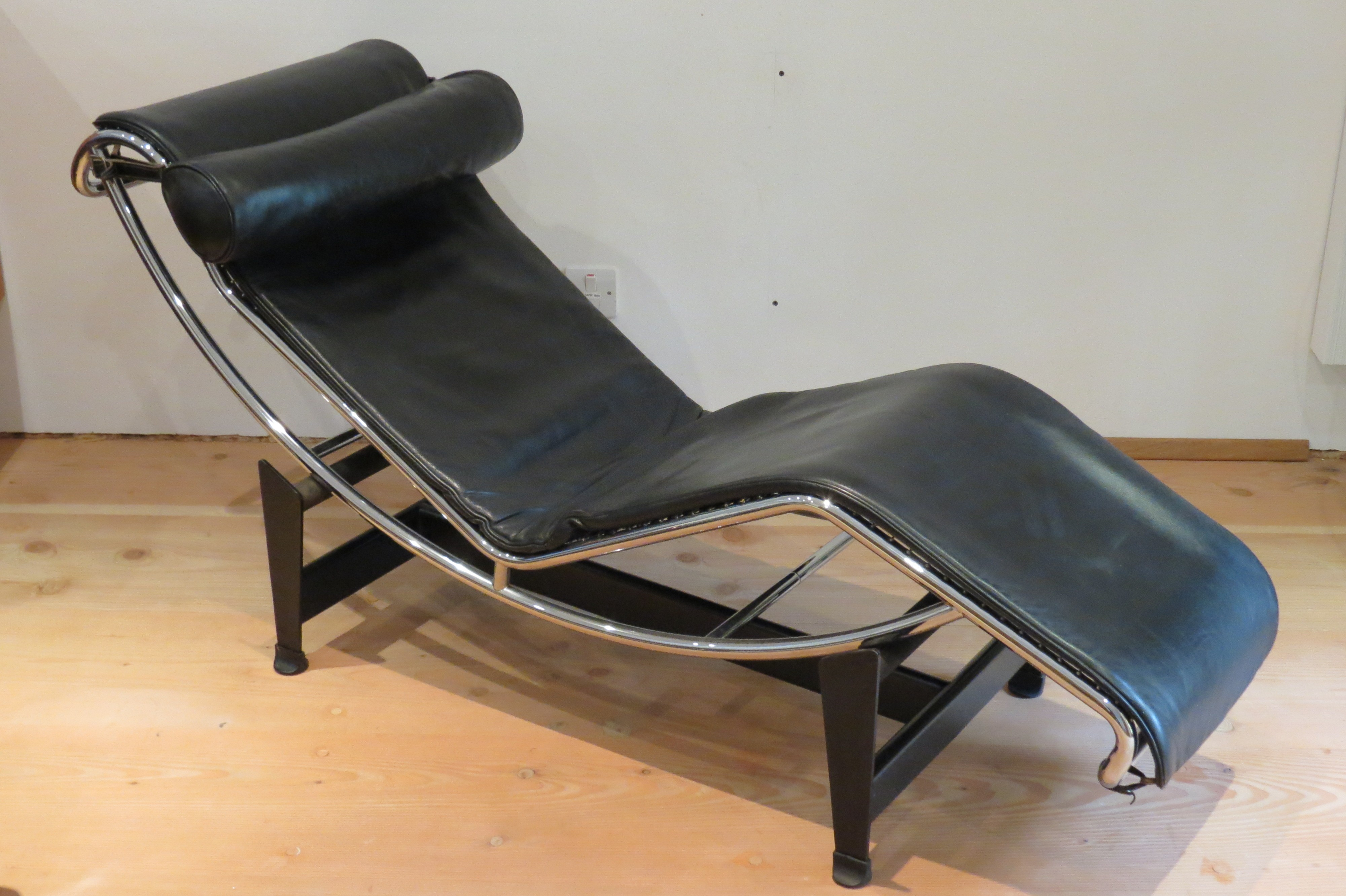 Lc4 Chaise Longue By Le Corbusier Perriand And Jeanneret