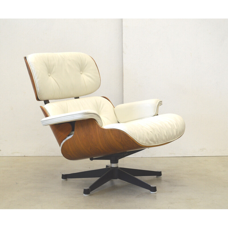 White leather lounge chair by Eames for Herman Miller - 1970s