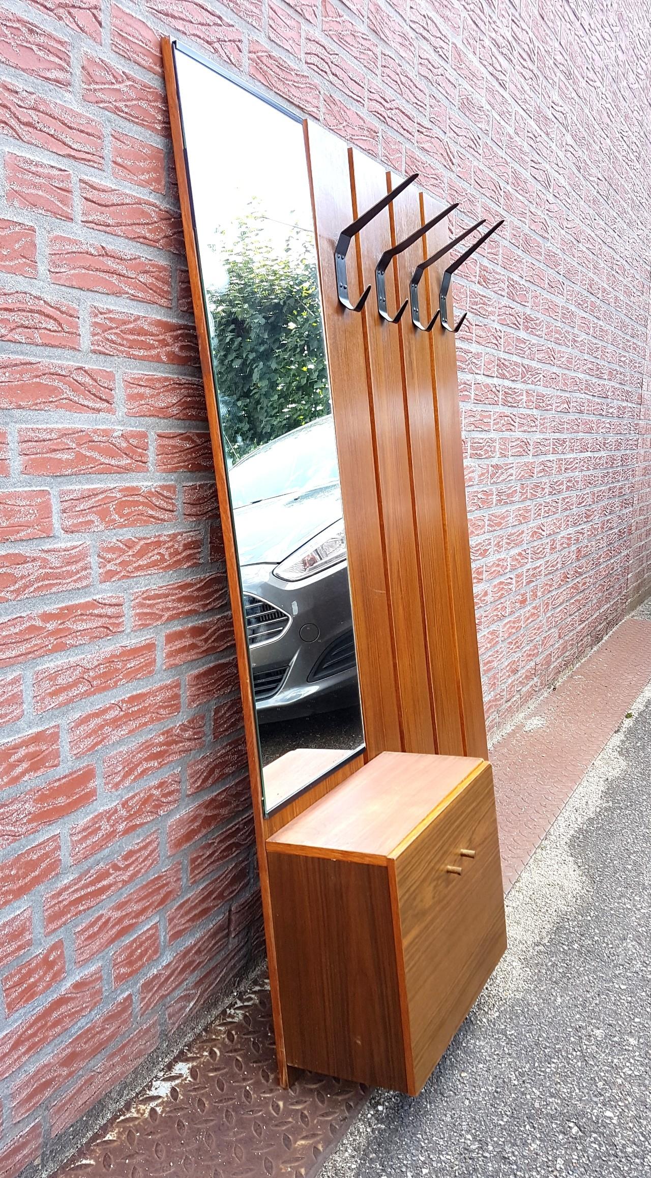 Mid century wall mounted coat rack - 1960s - Design Market