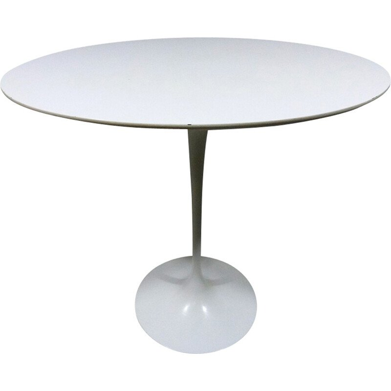"Oval ""Tulip"" Side Table by Eero Saarinen for Knoll - 1960s"
