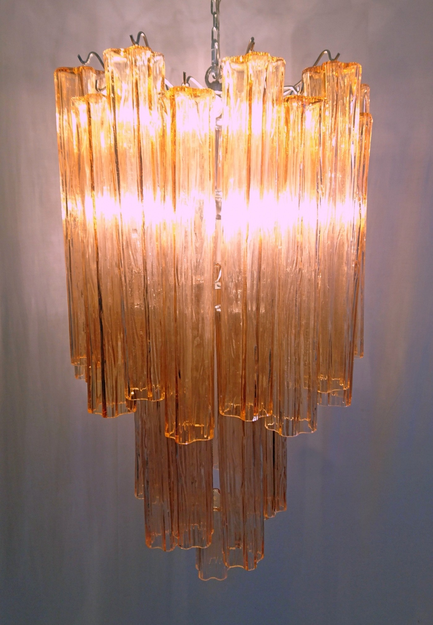 sale teardrop brass at for murano pamono orange with glass pink vintage s chandelier crystal