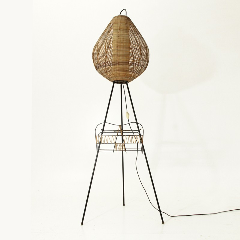 Tripod floor lamp with cane diffusor - 1950s - Design Market