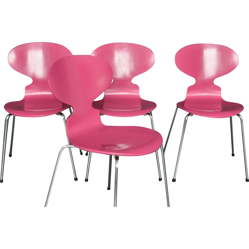 """Set of 4 """"3101"""" pink chairs by  Arne Jacobsen for Fritz Hansen - 1950s"""