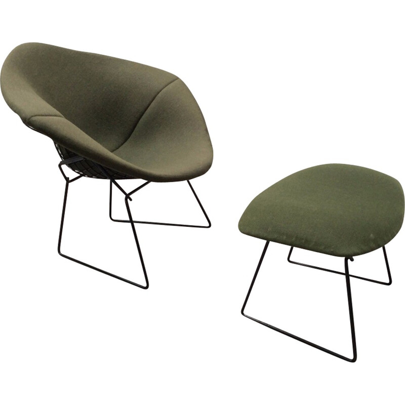 Diamond Chair by Harry Bertoia and its ottoman for Knoll International - 1960s