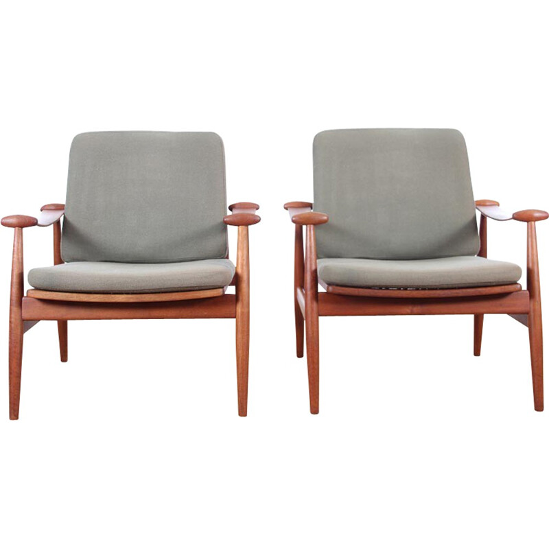 Pair of scandinavian teak armchairs FD 133 by Finn Juhl for France and Daverkosen - 1950s
