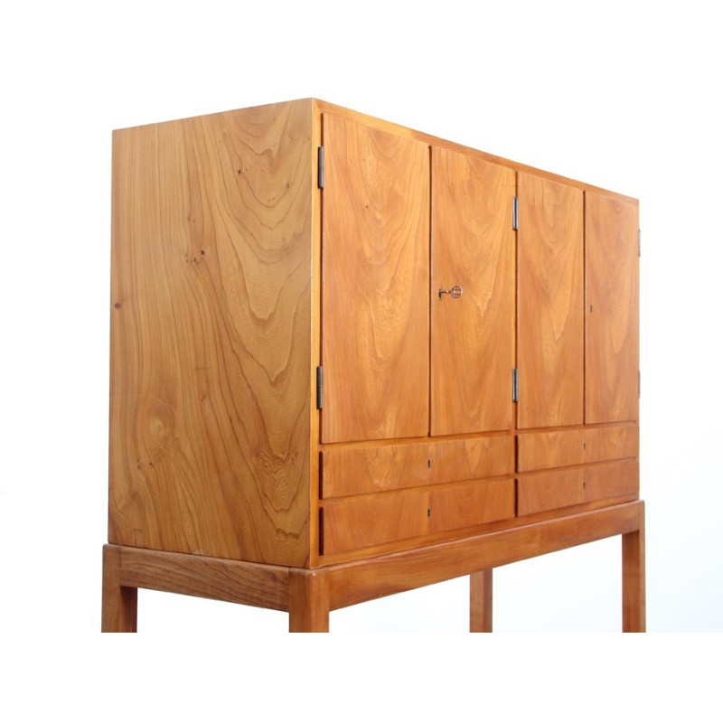 Vintage scandinavian cabinet in elmwood 1960s design for 1960s furniture designers