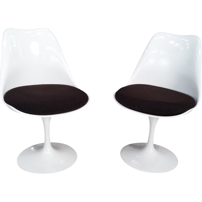 Pair of Tulip chairs by Eero Saarinen - 1980s