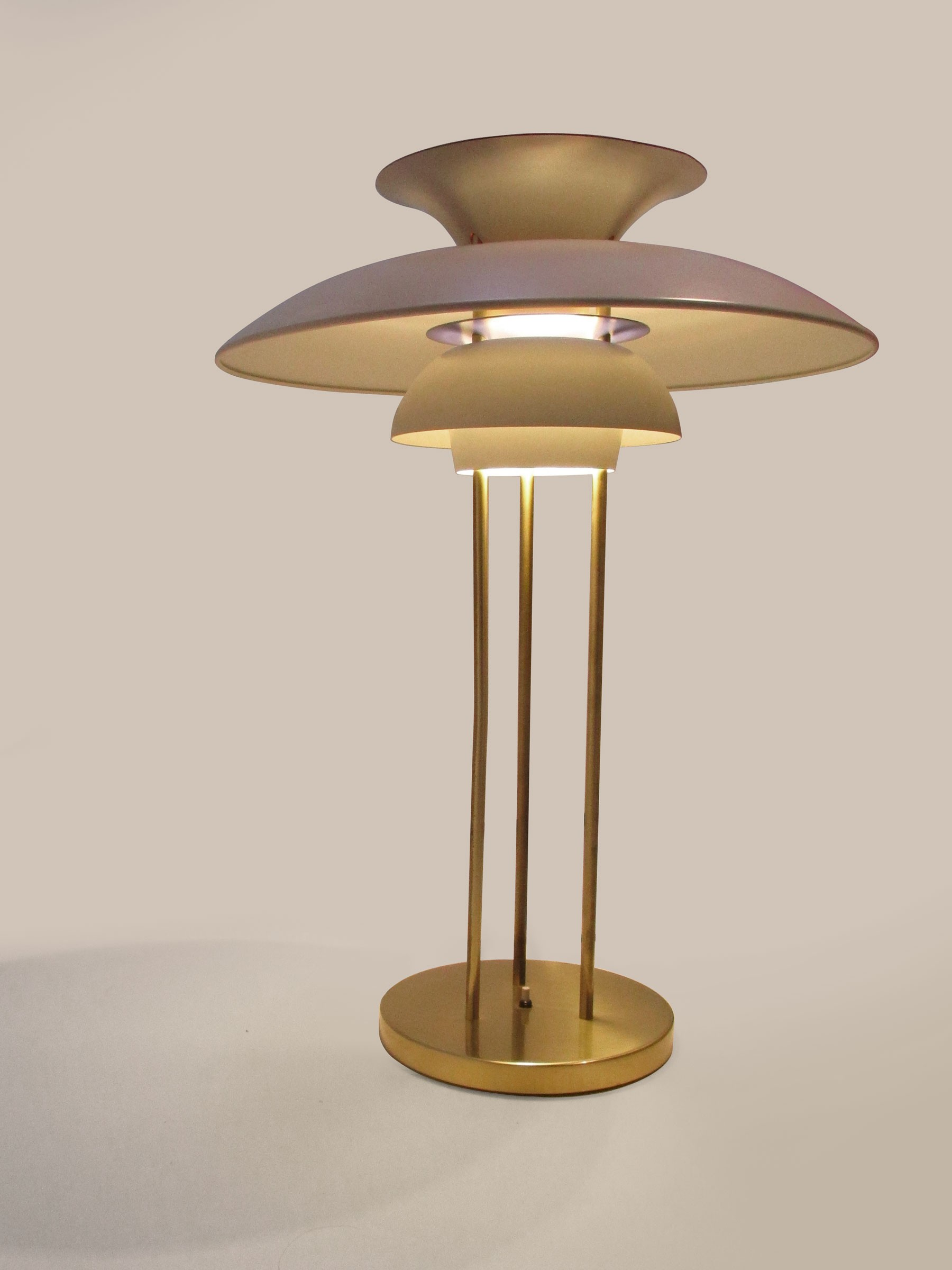PH 5 table lamp by Poul HENNINGSEN   1960s   Design Market