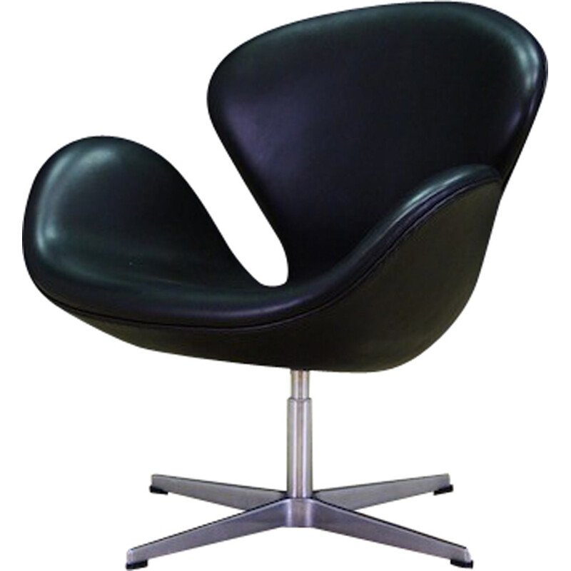 Swan Elegance Leather Armchair by Arne Jacobsen for SAS Hotel - 1980s