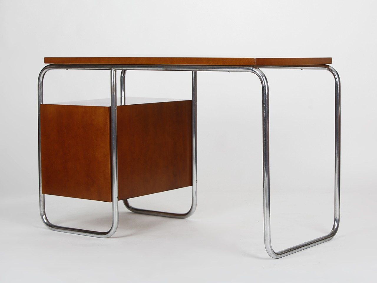 Tubular Desk In Steel And Wood 1930s Previous Next
