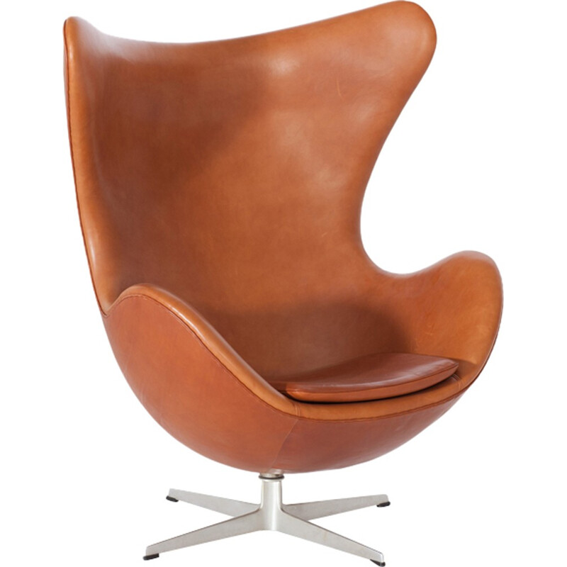 Egg Chair in Cognac Leather by Arne Jacobsen - 1960s