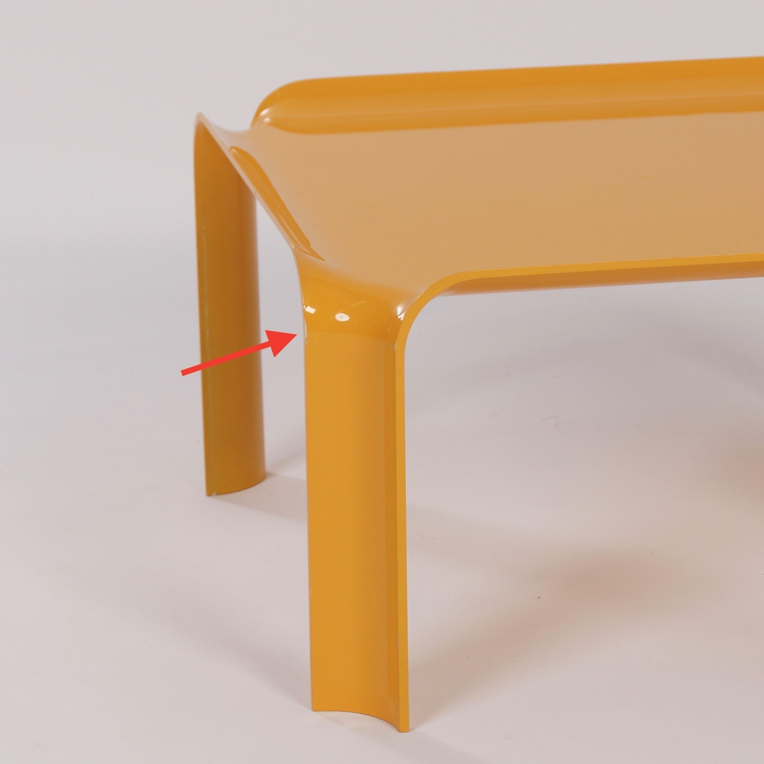 Yellow Coffee Table 877 by Pierre Paulin for Artifort 1960s