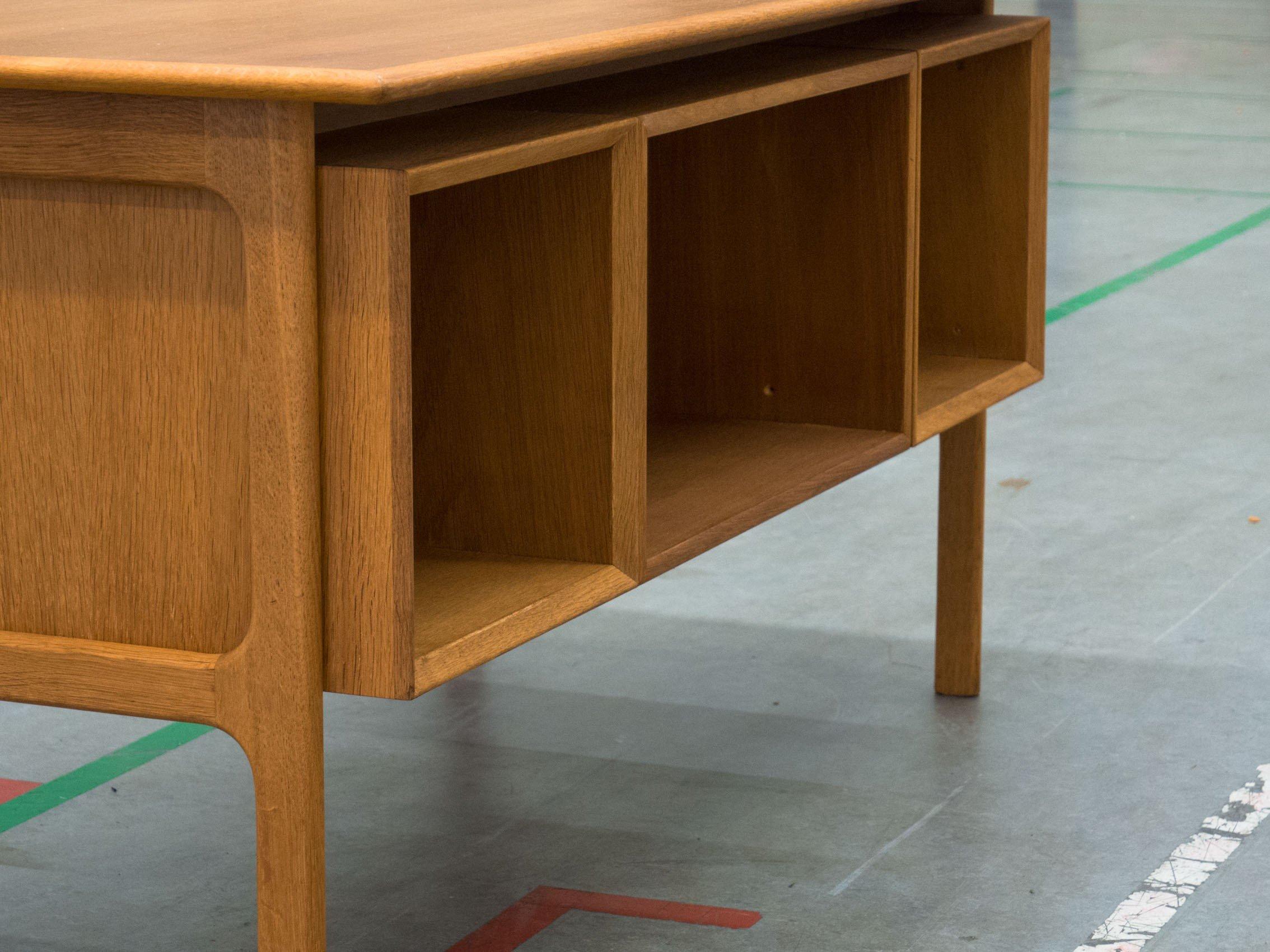Vintage Oak Free Standing Desk 1960s Previous Next