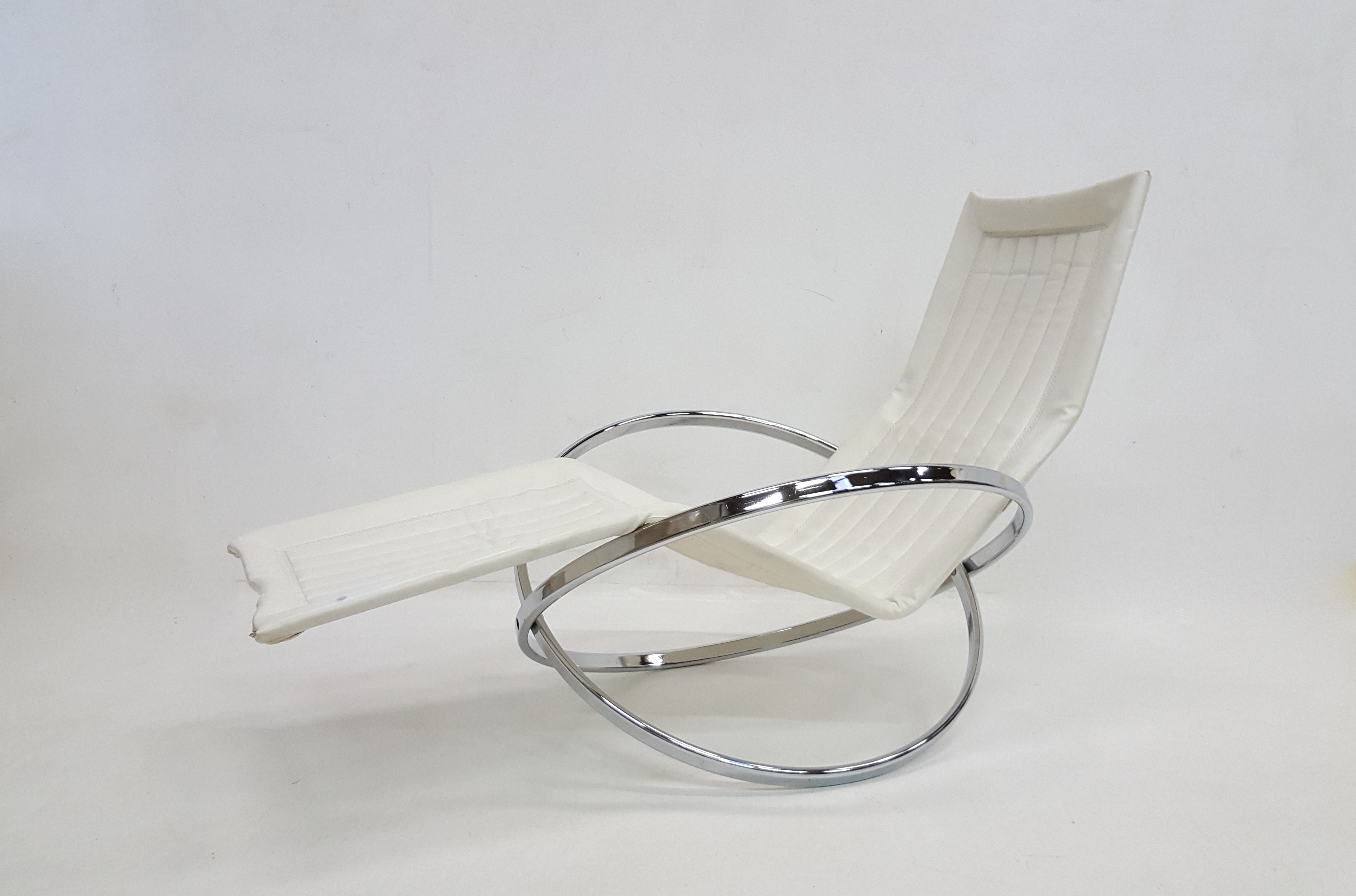 """Jet Star"""" Folding Rocking Lounge Chair by Roger Lecal 1970s"""
