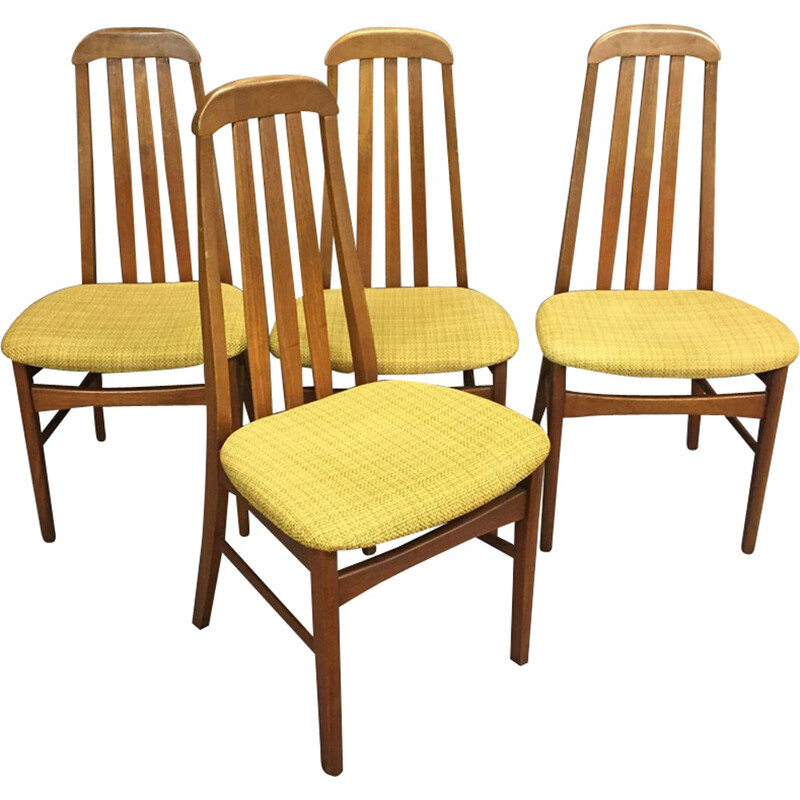 Set of 4 vintage chairs - 1970s