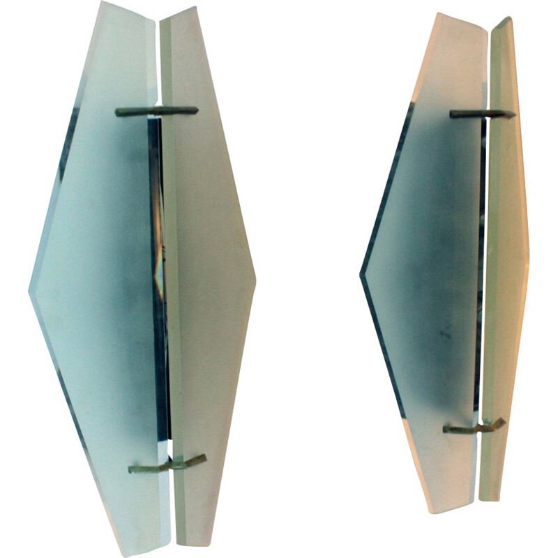 A pair of wall lamp by Max Ingrand for Fontana Arte