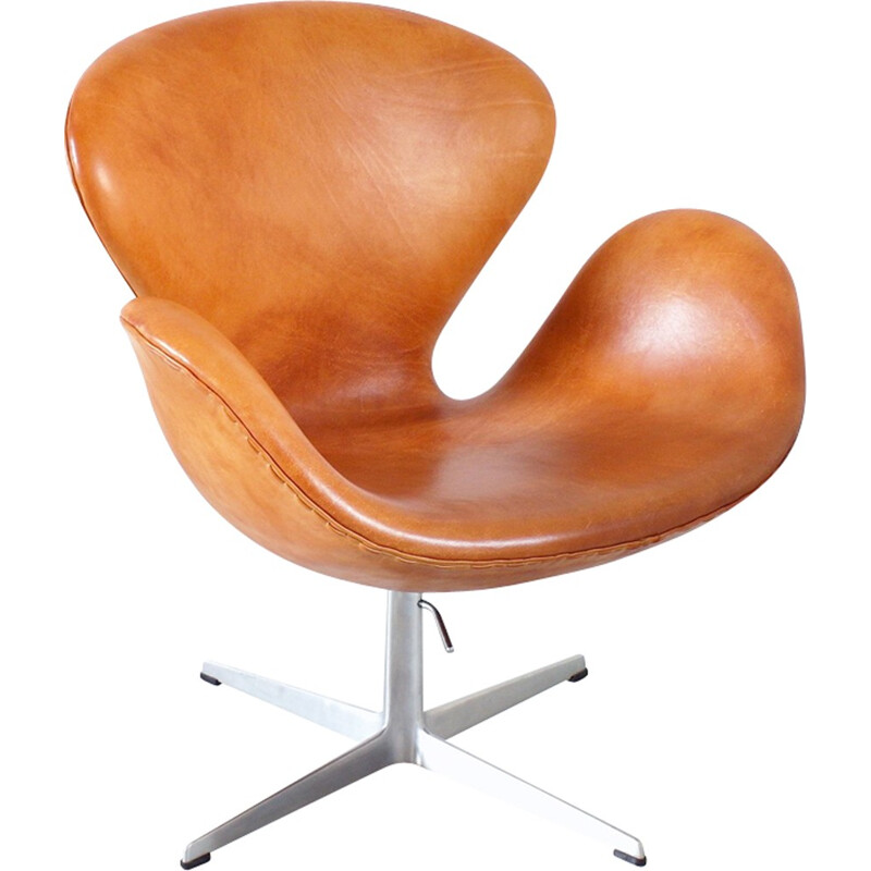 Early Edition Swan Chair by Arne Jacobsen for Fritz Hansen - 1960s