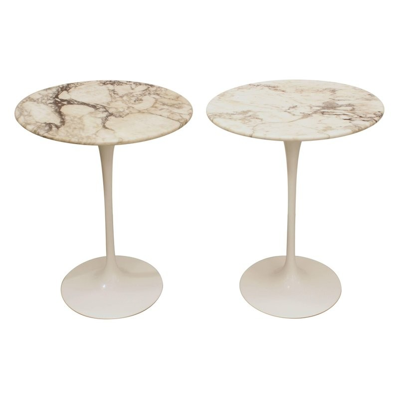 A Pair Of Marble Pedestal Table By Eero Saarinen For Knoll - Knoll pedestal table