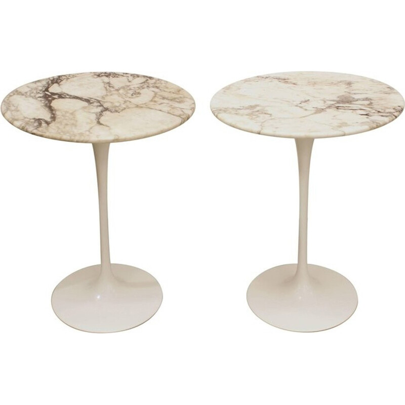 A pair of marble pedestal table by Eero Saarinen for Knoll - 1965