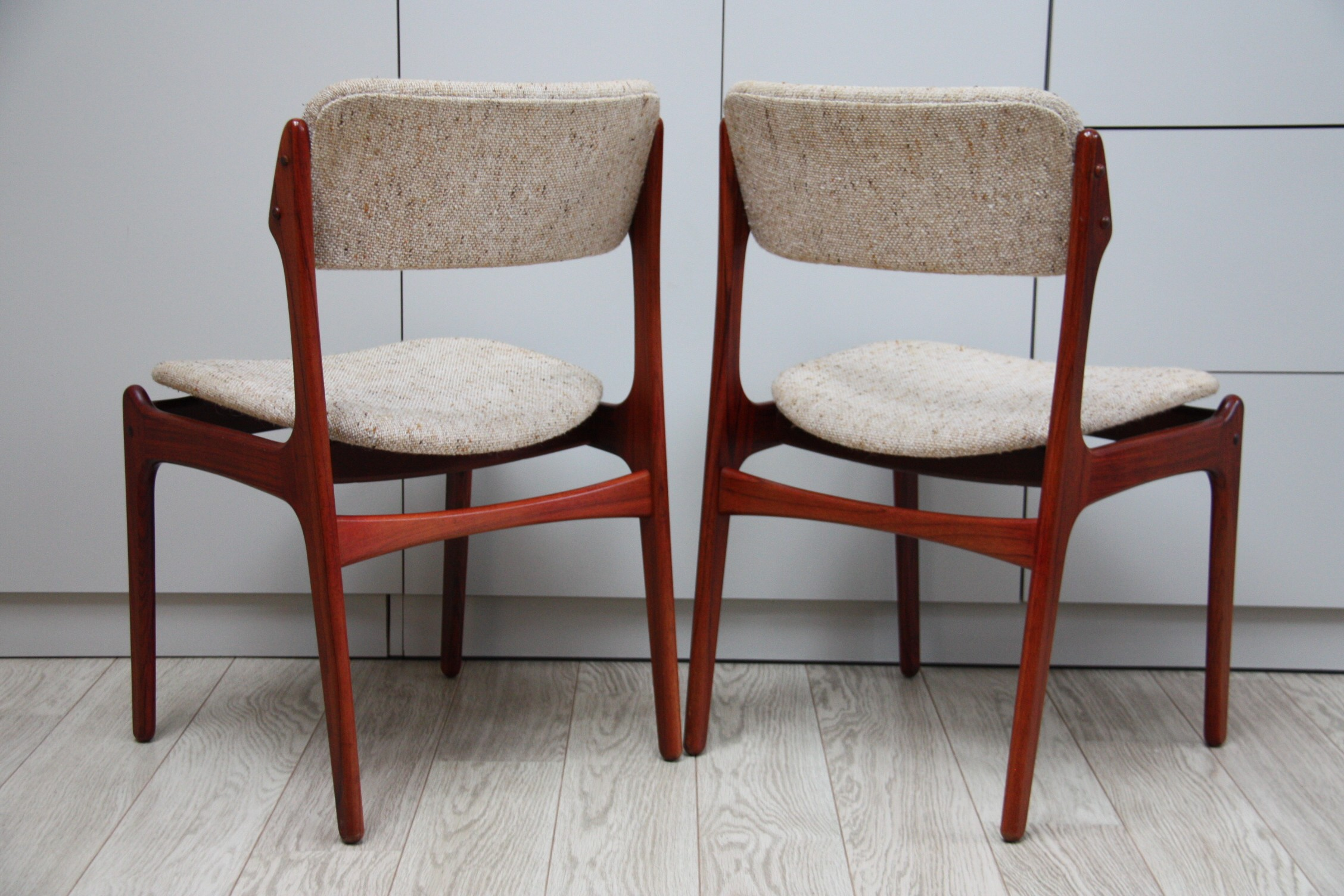 6 vintage dining chairs in rosewood Model 49 designed by Erik